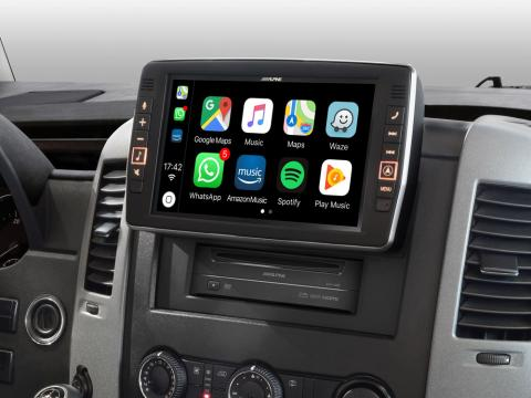Mercedes-Sprinter-Apple-CarPlay-X903D-S906